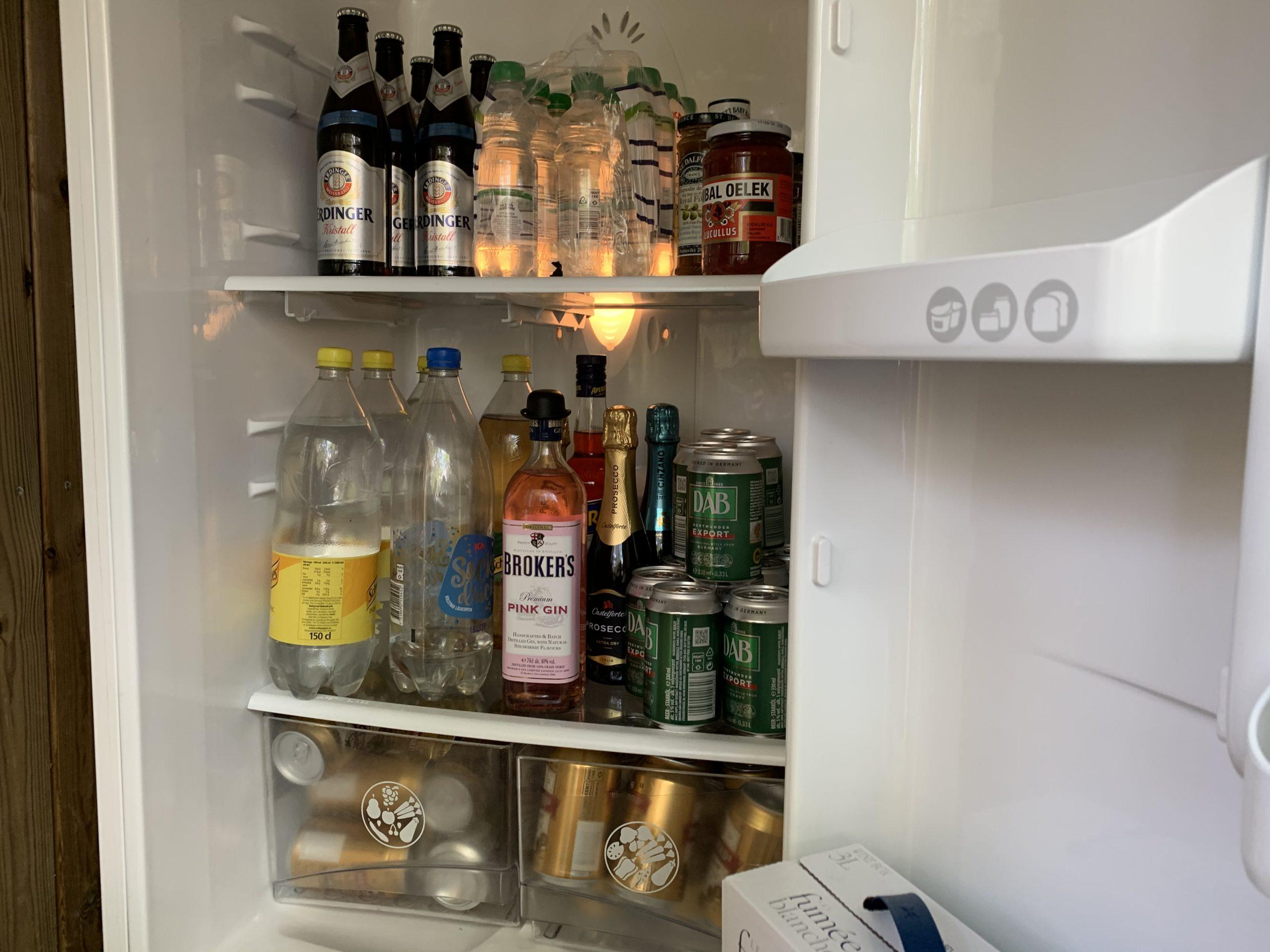 älfyllt kylskåp