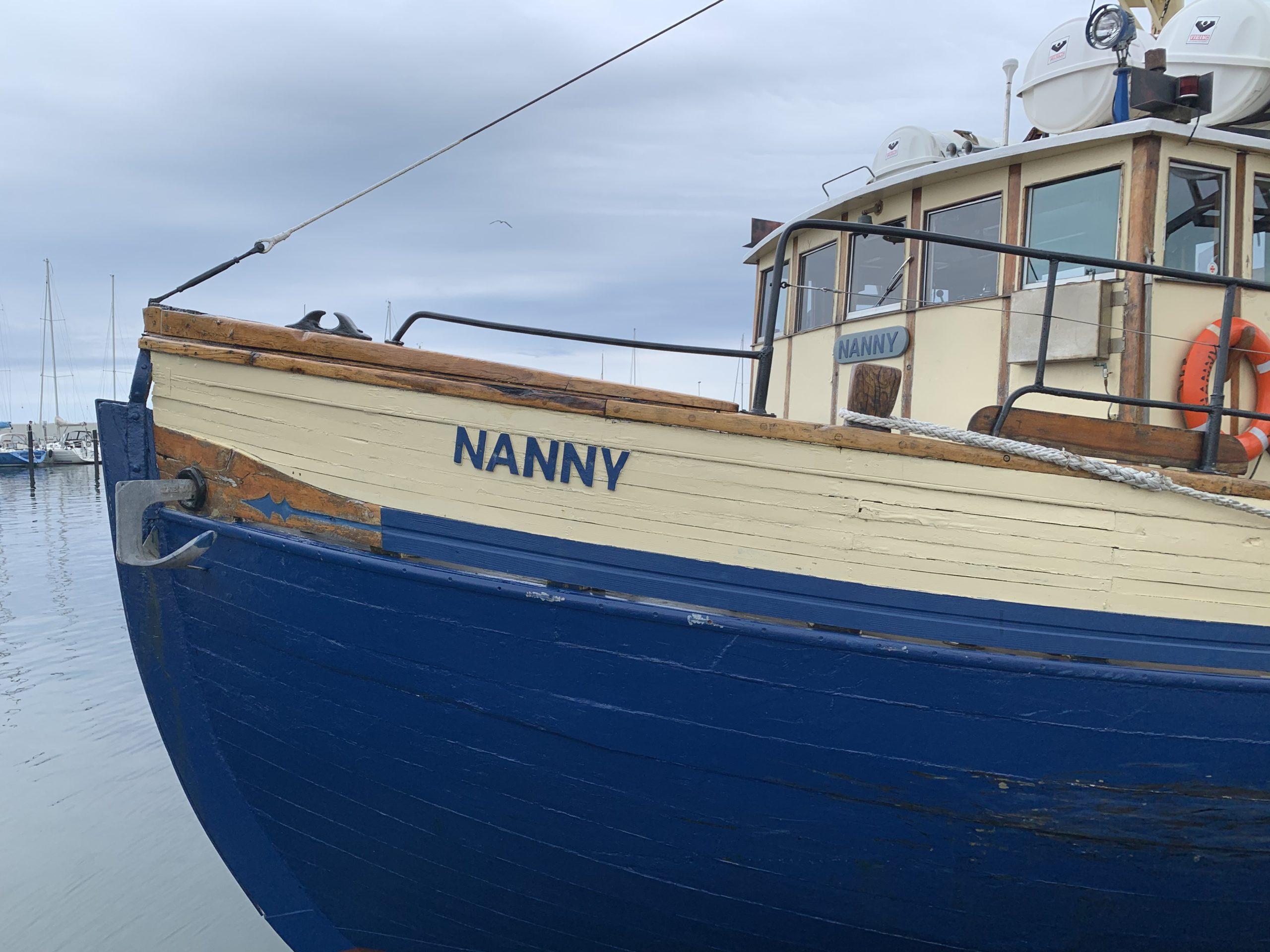 Båten Nanny i hamn