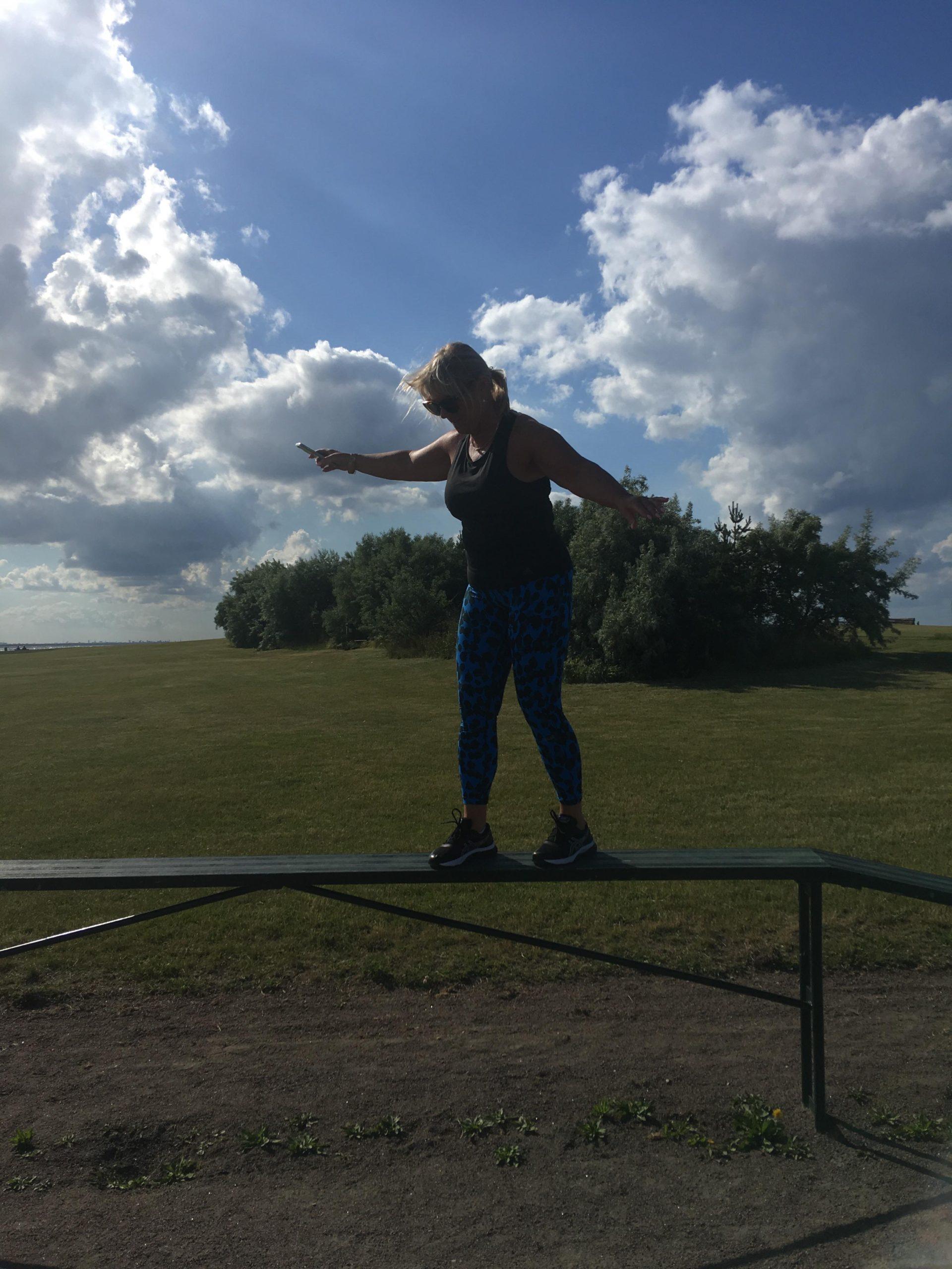 Jag tränar balans på agilitybanan