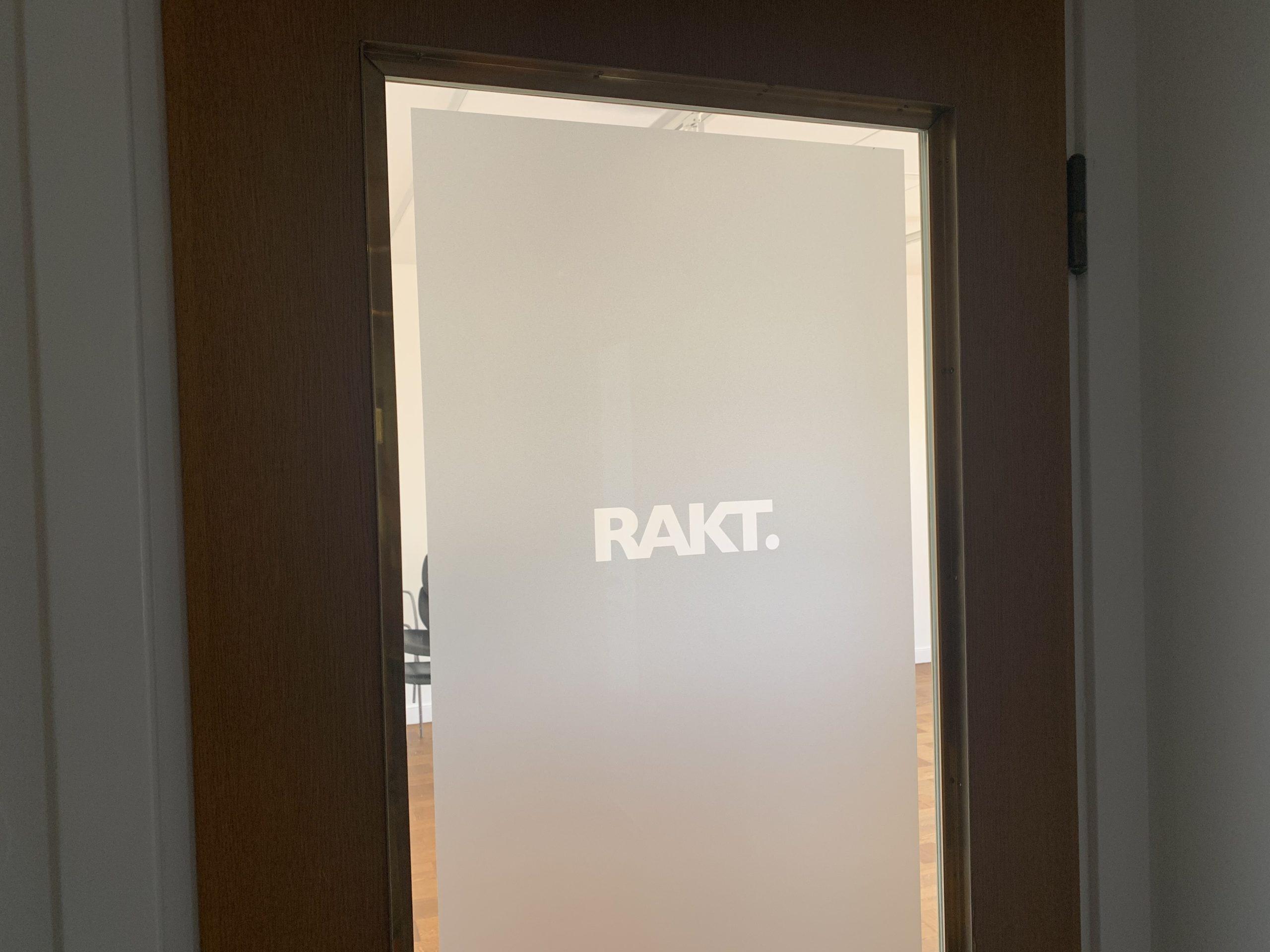 Dörren till vårt kontor