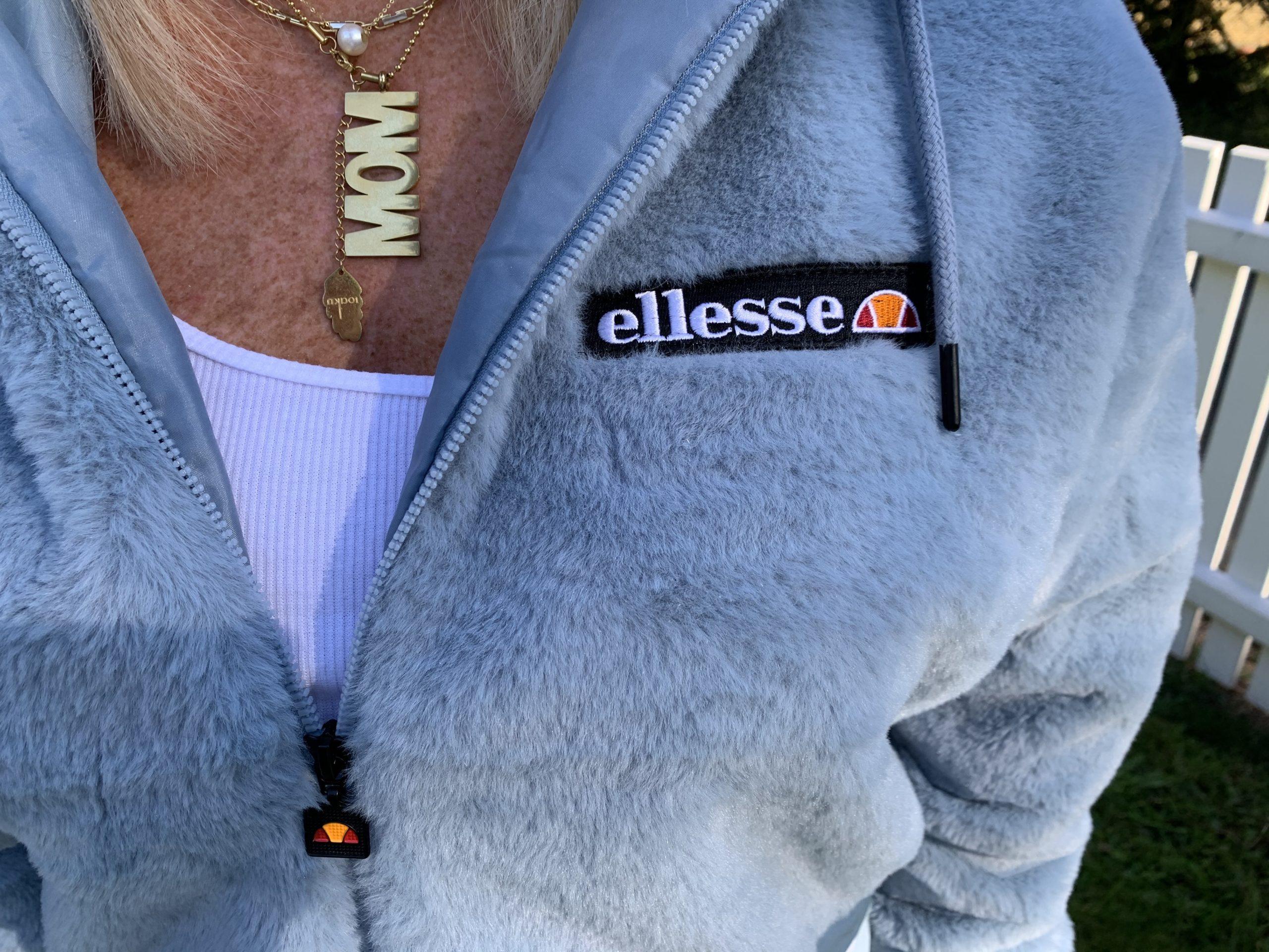 Detalj från min nya Ellesse hoodie