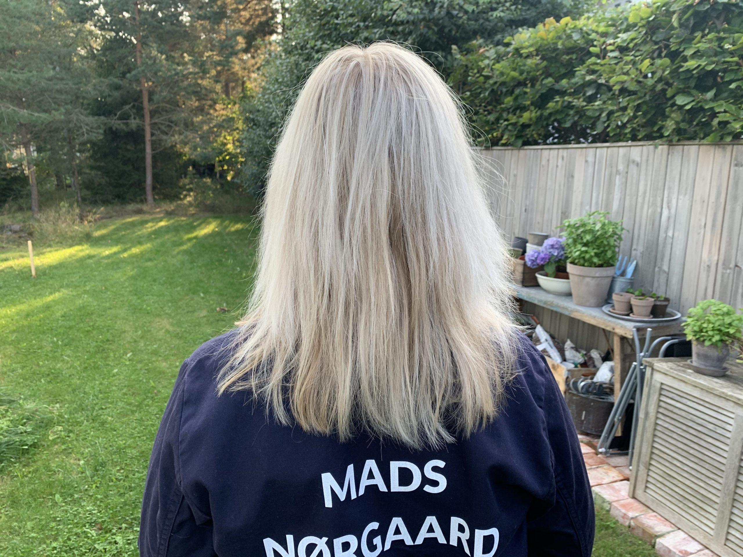 Askgrå hårfärg i min jobbverall från Mads Nørgaard