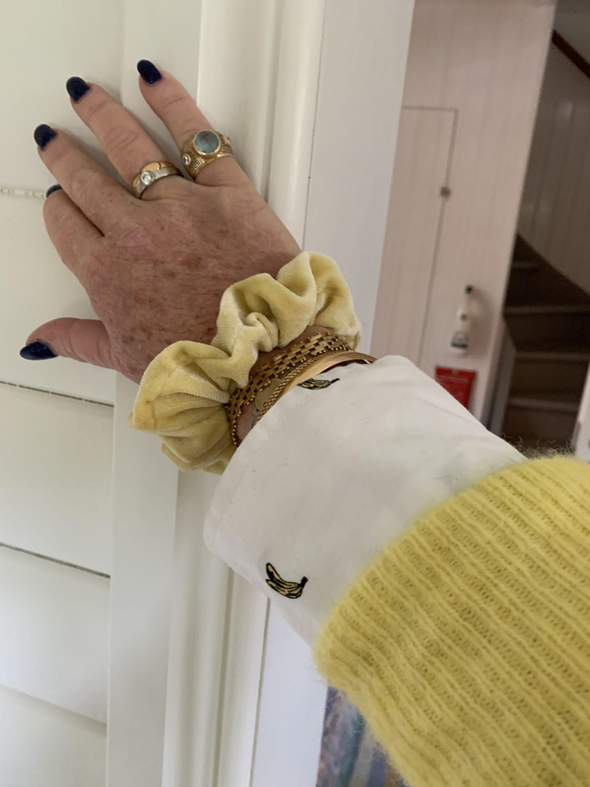 Till och med min scrunchie är gul!