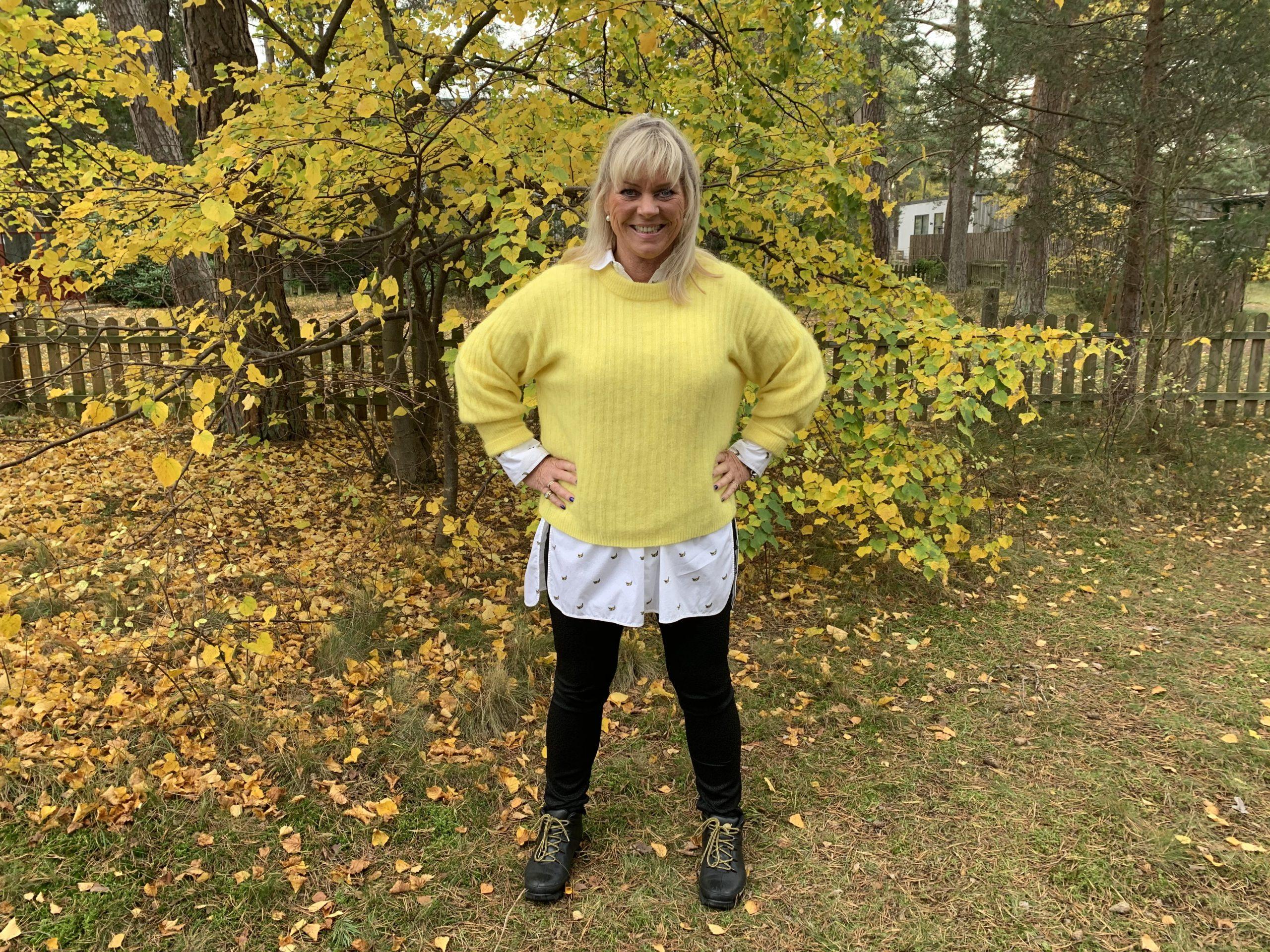 Gul outfit mot de gulnade löven